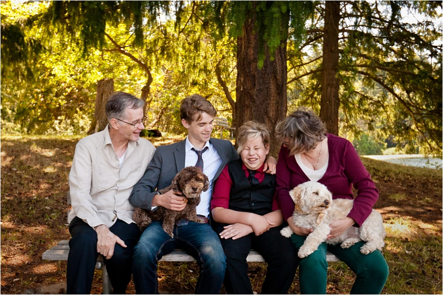 family photographer donating photo session