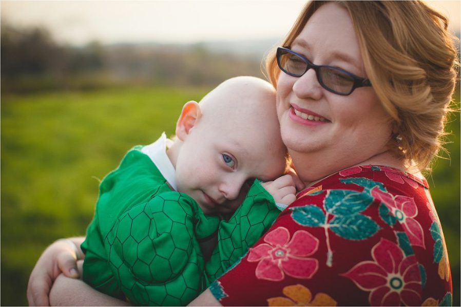 Photo sessions cancer patients boy hugging mother photo by The Gold Hope Project
